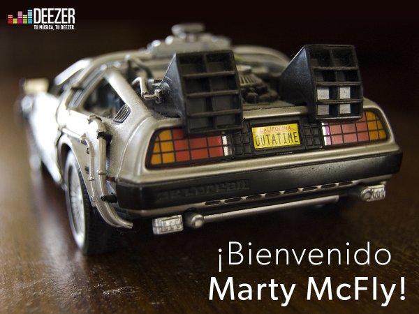 Deezer le da la bienvenida a Marty McFly al futuro.