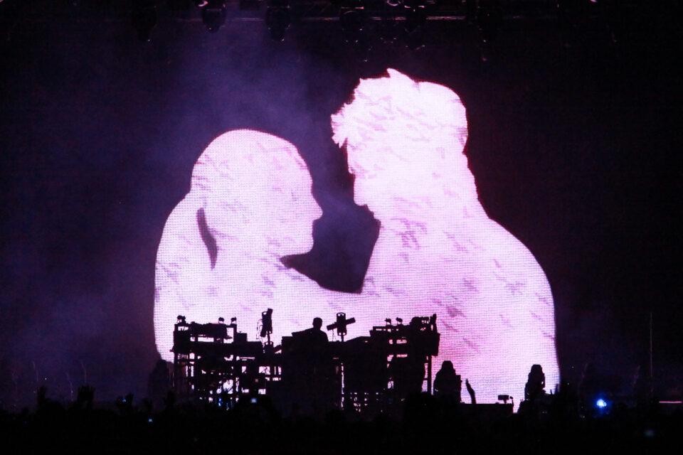 El live act de The Chemical Brothers en Bogotá dejó al público más que contento. Foto: Cortesía