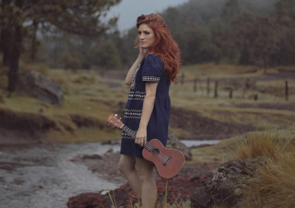 La Bermúdez presenta en su video 'Mirada al vacío', una faceta melancólica y profunda. La canción fue escrita para la película 'Destinos'.