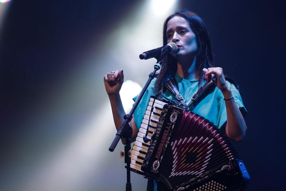 julieta venegas -4