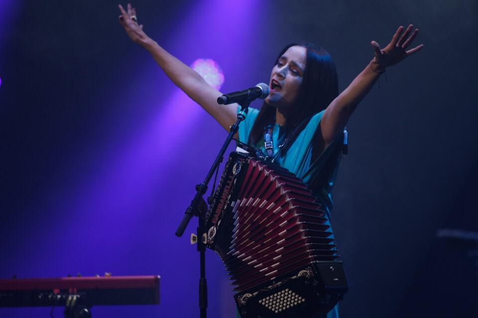 julieta venegas -6