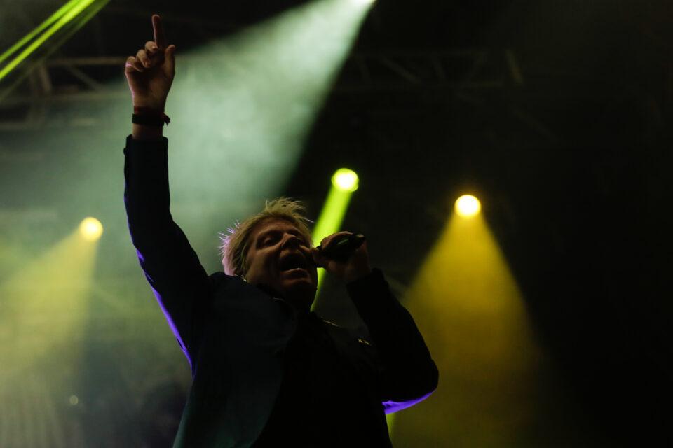 rock ans shout colectivo -64