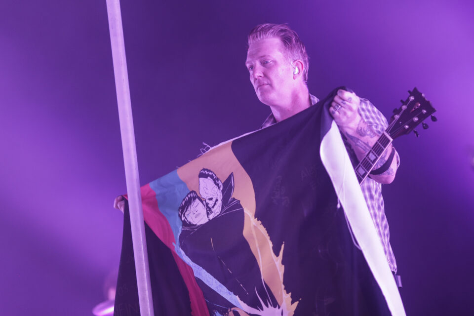 Queens of the stone age C-11