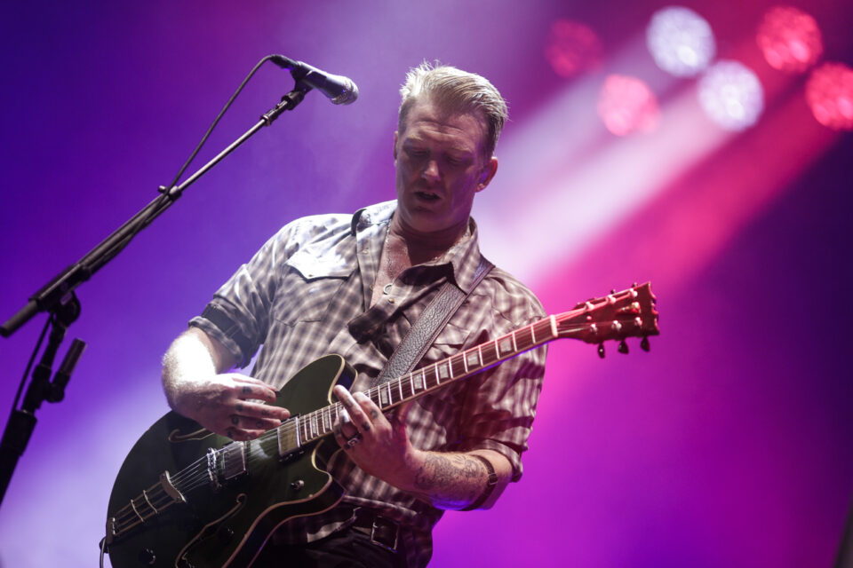 Queens of the stone age C-15