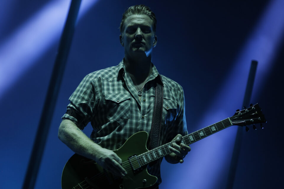 Queens of the stone age C-2