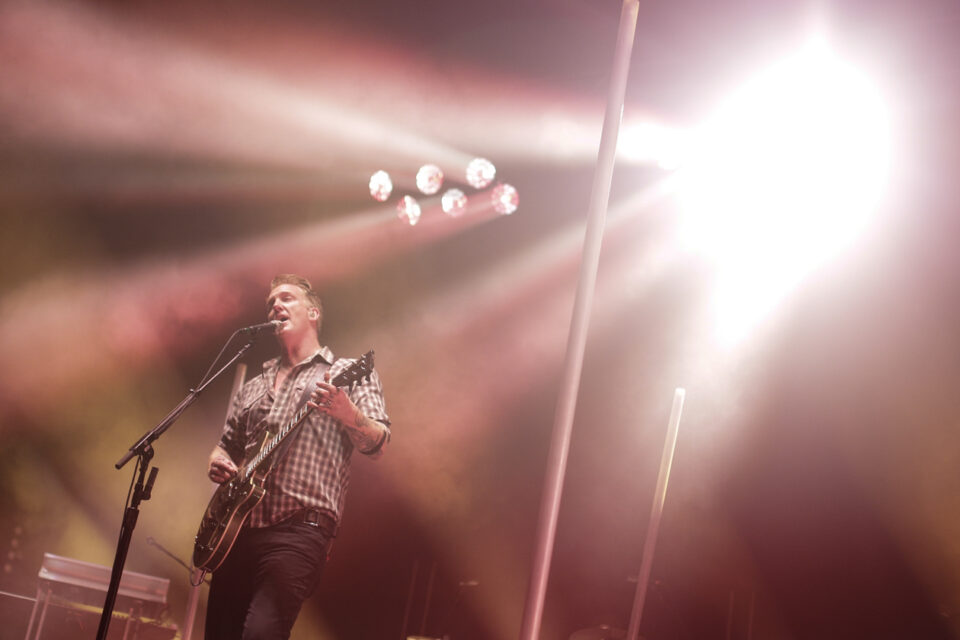 Queens of the stone age C-6