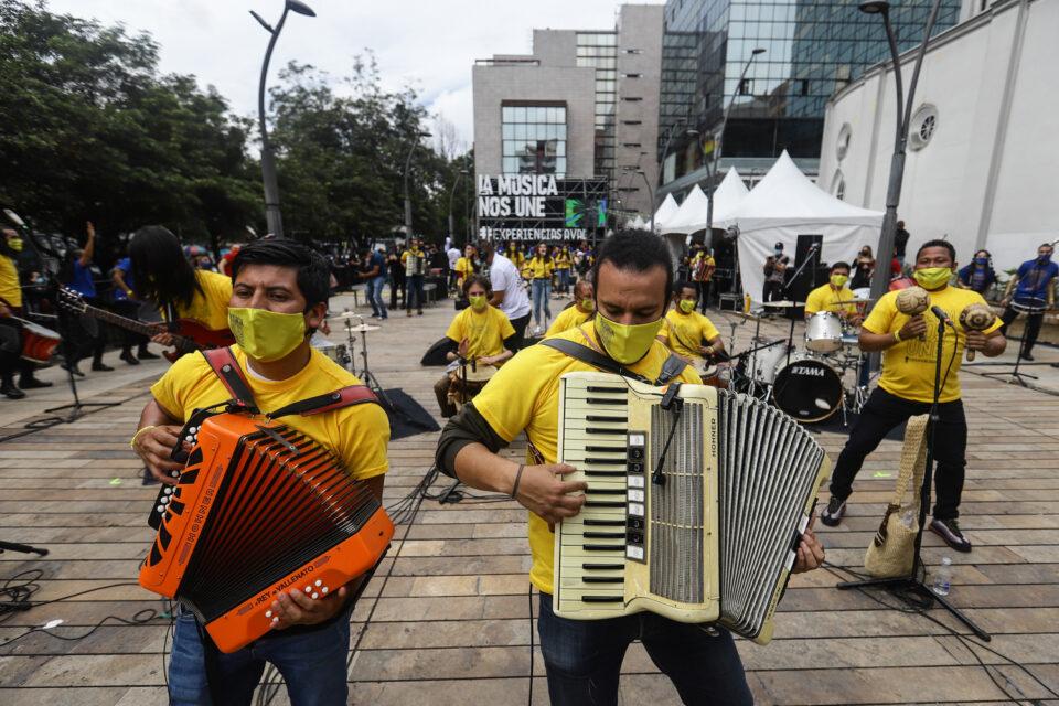 Musicos-reapertura-colectivo_-11-960x640.jpg